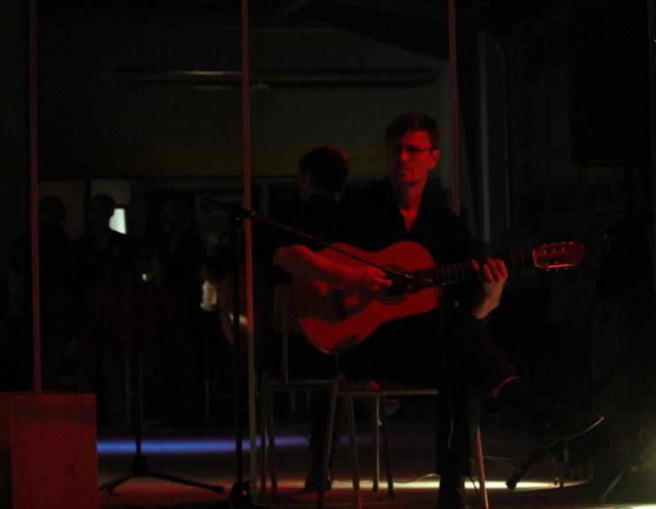 Flamenco-Gitarre: Christian - Christian Kiefer ist der Gitarrist vom Flamenco-Duo 'Caña de Azúcar'